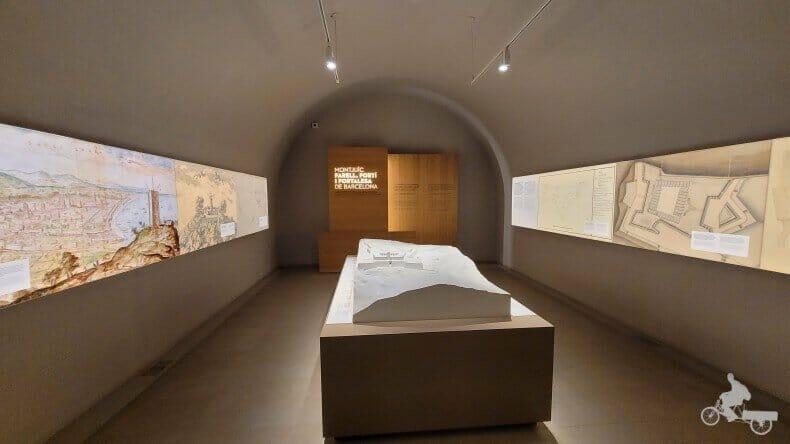 exposición en el castell de Montjuic