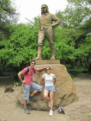 estatua livingston en cataratas victoria
