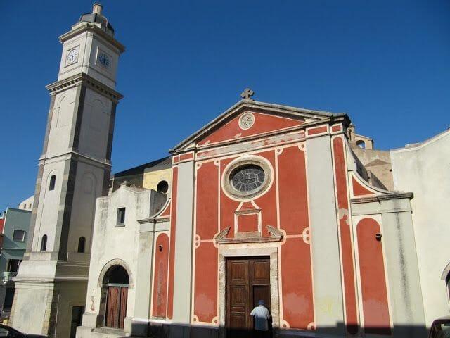 la iglesia o basílica de Sant Antíoco.
