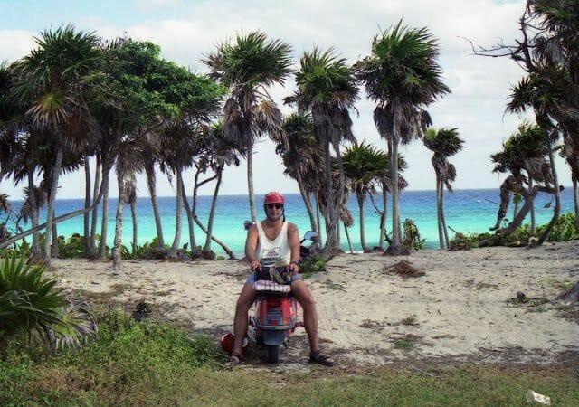 playa de Cozumel, en moto alrededor de Cozumel