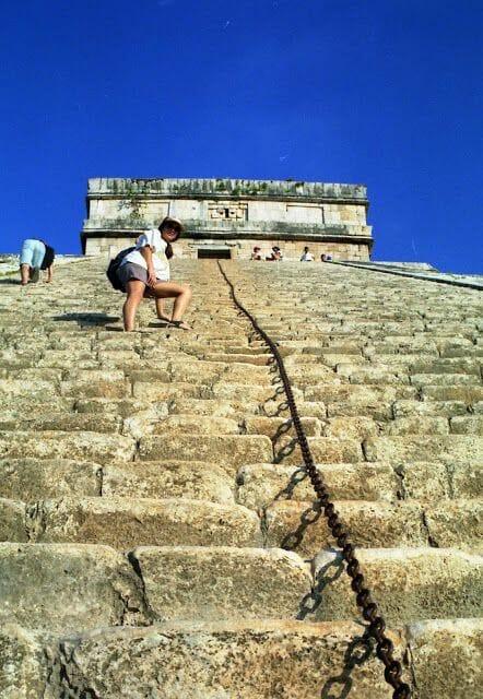 escalar Pirámide del Castillo de Chichén Itzá