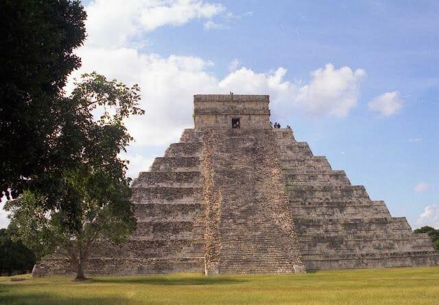 Pirámide del Castillo de Chichén Itzá