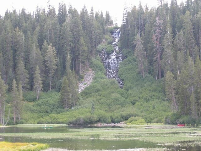 cascada Twin Lakes (Mammoth lakes)