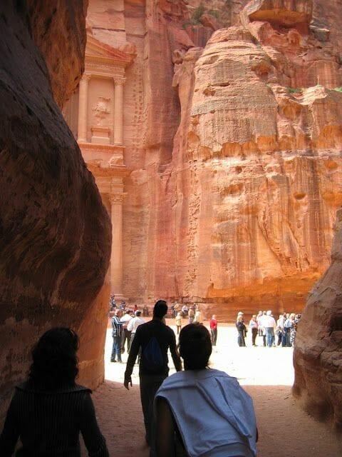 templo saliendo del cañon en petra