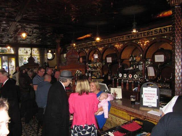 Crown Liquor Saloon, pub irlandes, pub de belfast, pub antiguo