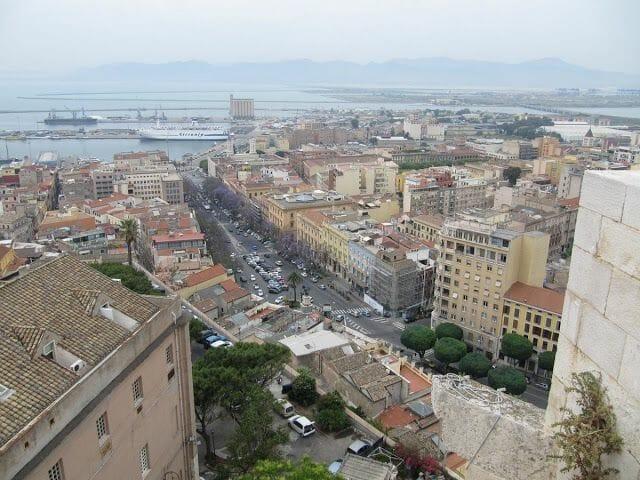 vistas desde la Torre del Elefante en Cagliari