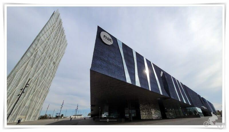 edificio triangular forum museu de ciencies