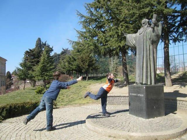 estatua de San Clemente ohrid