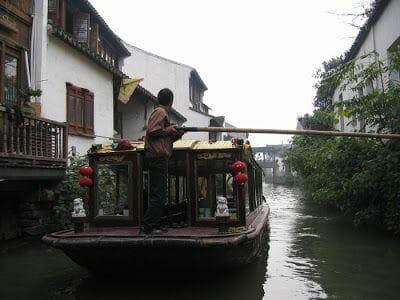 paseo en barca por canales de Suzhou