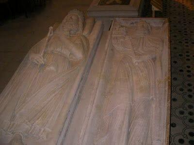reyes de francia enterrados en catedral de Saint Denis