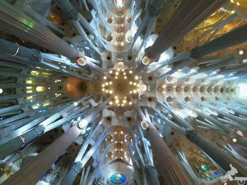 bóveda - interior sagrada familia