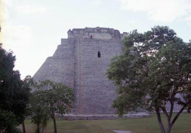 ruinas de uxmal en la Ruta Puuc