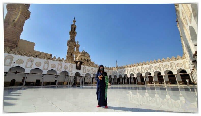 vestido de mujer para entrar a mezquita Al Azhar