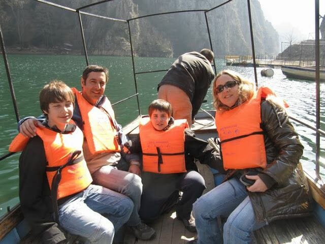 barco lago matka