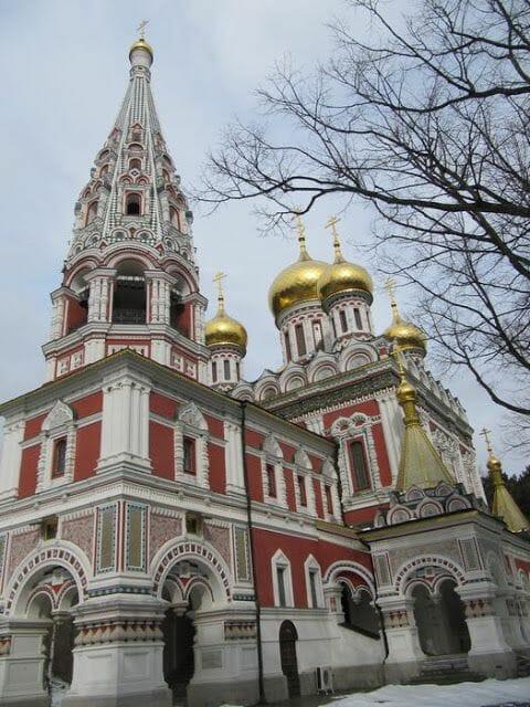 exterior iglesia Shipka viaje a Bulgaria