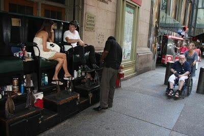 limpiabotas en la calle 42 de Nueva York