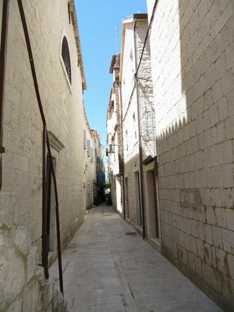 calles Trogir