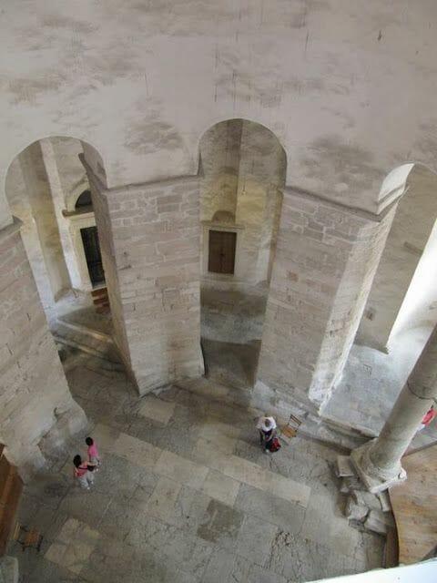 iglesia redonda de San Donatus