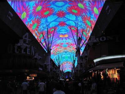 bóveda iluminada de Fremont street Experience