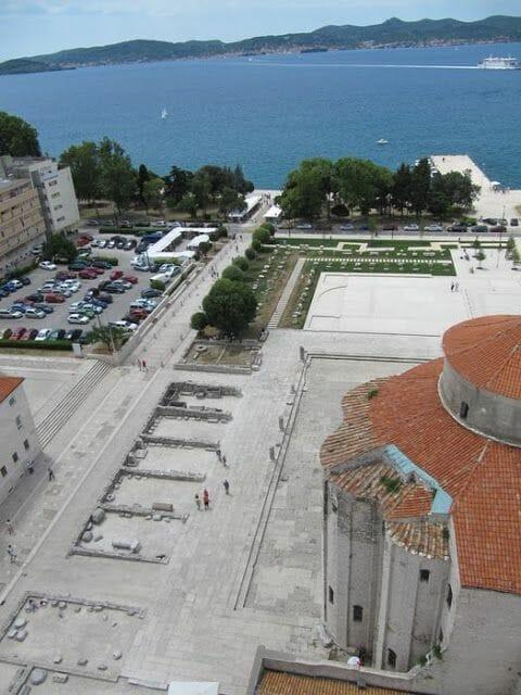 iglesia de San Donato en Zadar, plaza foro romano zadar