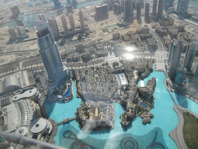 vistas desde el Burj Khalifa, at the top of burj Khalifa, fuentes Dubai