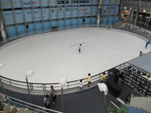 pista hielo Marina mall Abu Dhabi