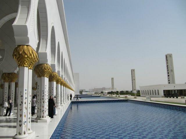 Mezquita Sheikh Zayed Abu Dhabi exterior
