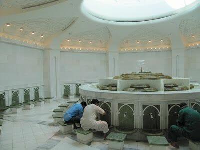 lavatorio Mezquita Sheikh Zayed Abu Dhabi
