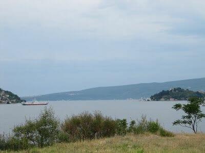 ferry de la Kamenari - Lepetane, ferry montenegro, bahia Kotor