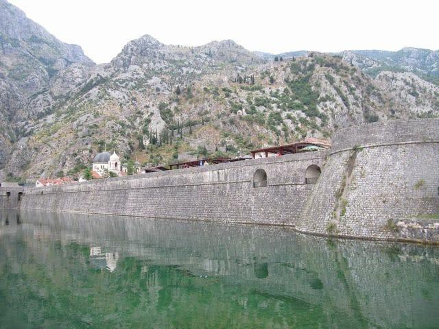 vistas del camino y de la fortaleza desde el bastión Bembo y la torre de la kampana