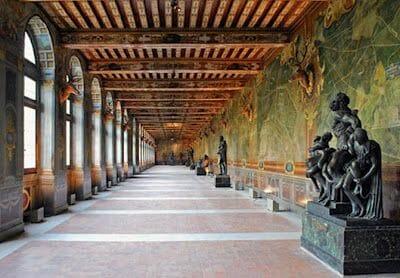 galería de Francisco I en Fontainebleau, galeria del ciervo, arte renacimiento en Francia