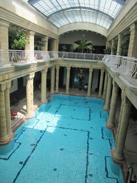 piscina cubierta balneario Gellert
