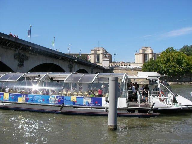 el Batobus, paseos en barco por el Sena, barcos en París