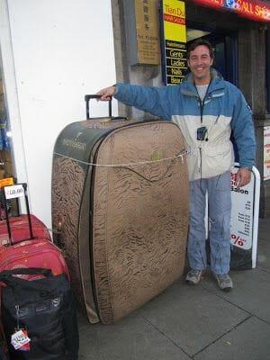 equipaje en tu guía para viajar a irlanda