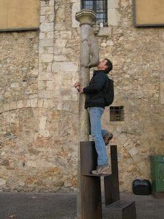 lleona de Girona, leona de Girona, besar culo de la leona, petò al cul, besar culos