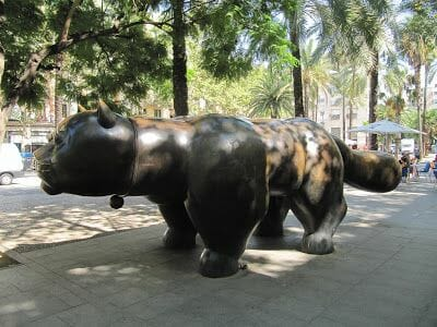 gato botero barcelona, gato botero raval, escultura botero barcelona, escultura de gatos, gatos de botero