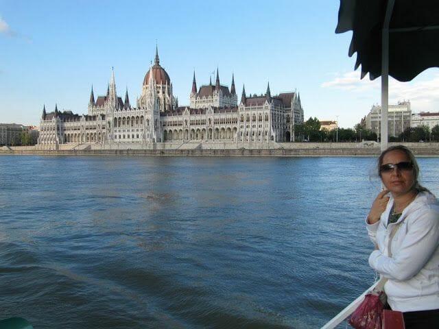 parlamento budapest en un paseo por el danubio