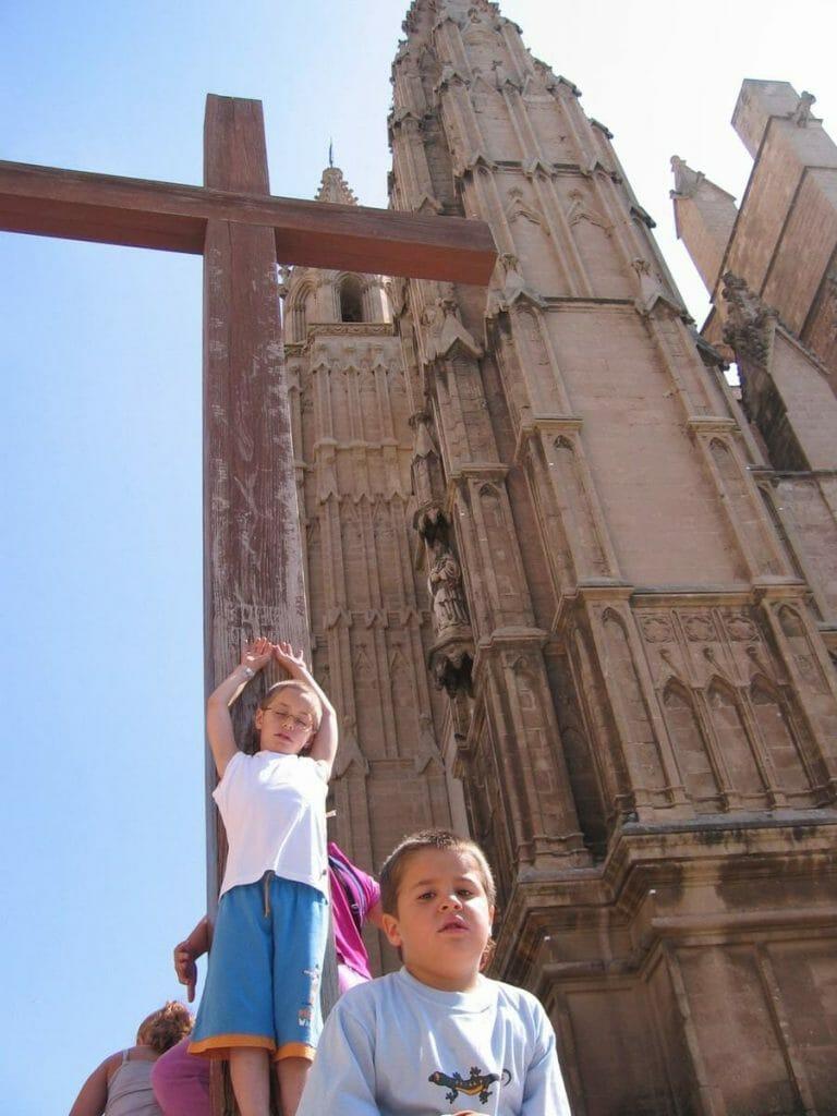iglesia palma mallorca crucero niños