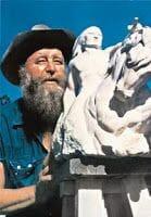 constructor monumento a caballo Loco