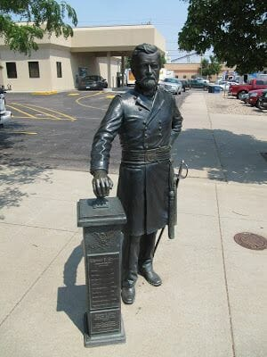 Ulysses S. Grant statue, estatuas de Rapid city, estatua de Ulysses S. Grant