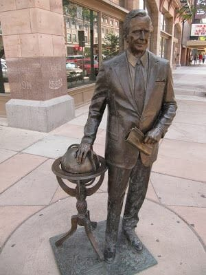 George H. W. Bush statue, estatuas de rapid city, estatua de George H. W. Bush