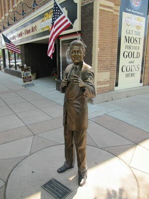 Bill Clinton statue, estatuas de rapid city, estatua de Bill Clinton