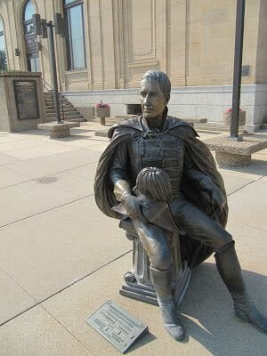 William Henry Harrison statue, estatua de William Henry Harrison