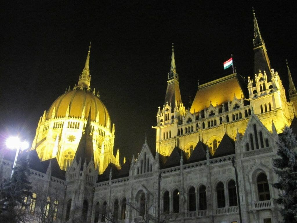 parlamento de Budapest, parlamentos de Europa