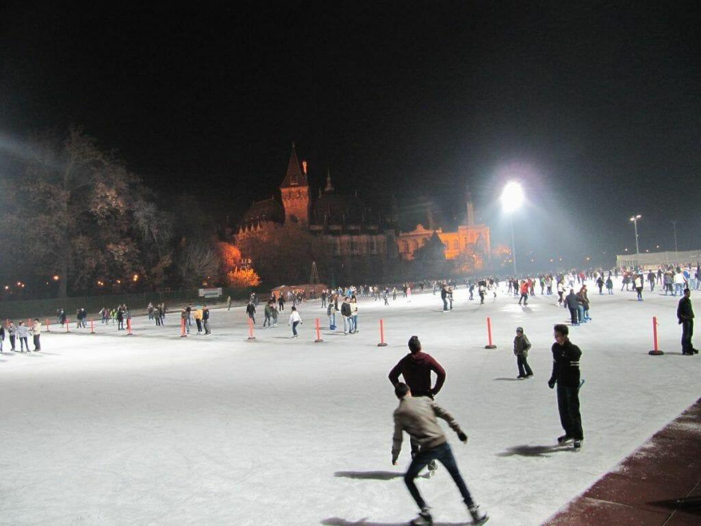 patinar sobre hielo en Budapest