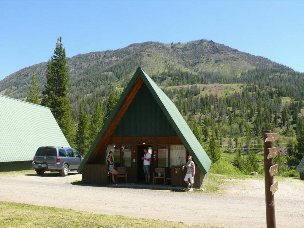 Pahaska tepee lodge, hoteles en Yellowstone, hotel Buffalo bill