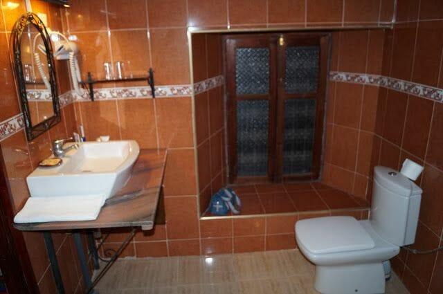 hotel kasbah de Tomboctou en Tinghir baño