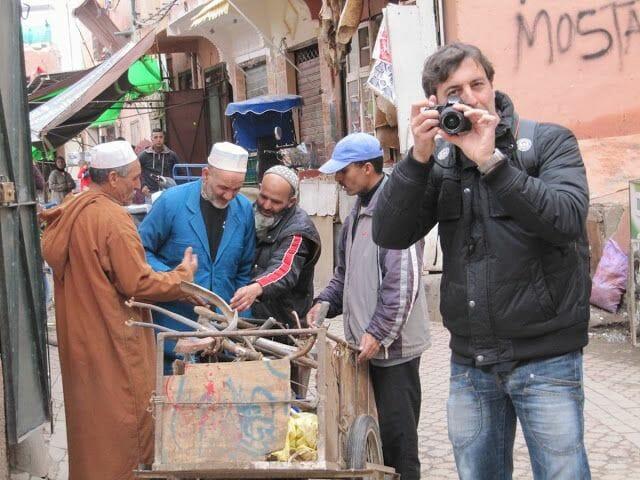 regateando en el zoco de marrakech