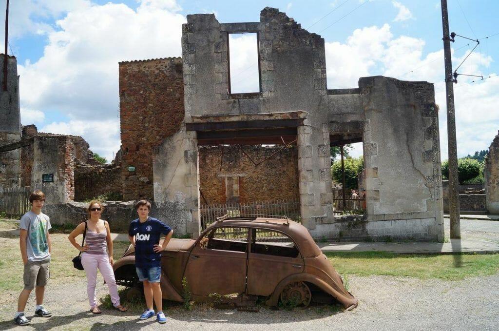 coche abandonado de Oradour sur glane