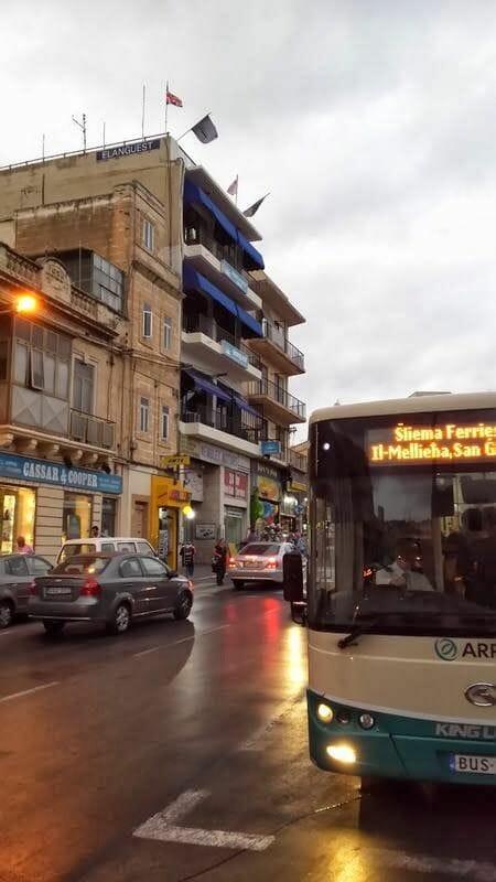 autobus san julian - la Valetta